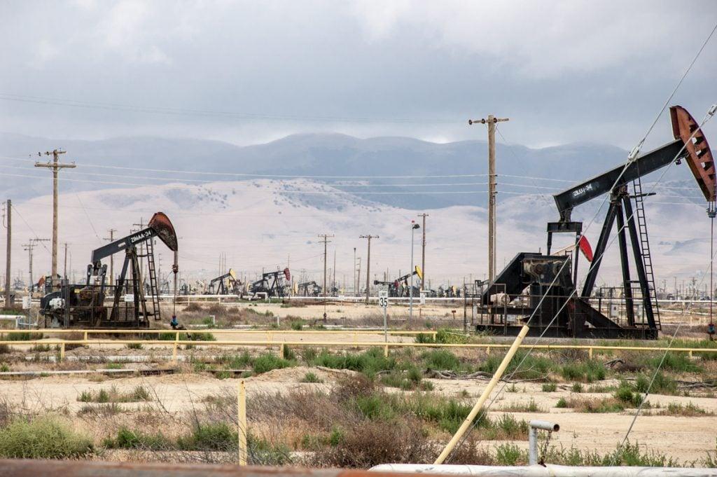 oil derrick kern county